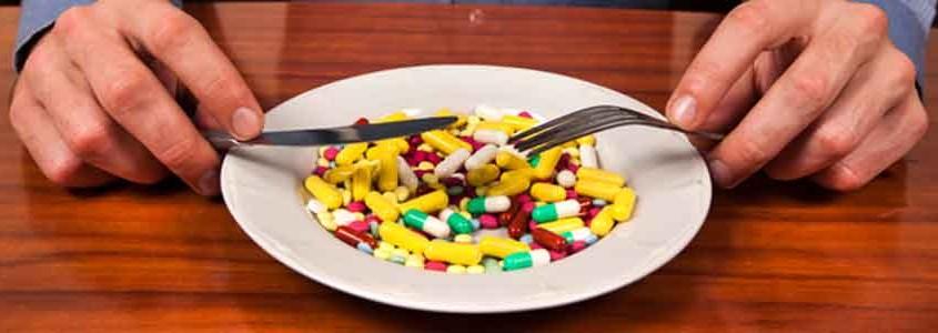 Choosing-the-right-multi-vitamin-pill-845x300