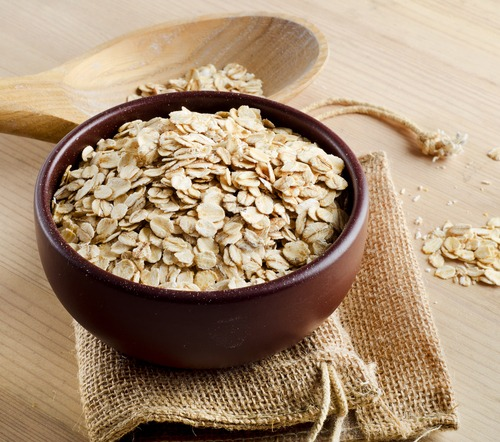 whole oats in a bowl