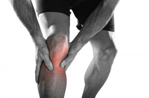 man suffers from knee joint pain